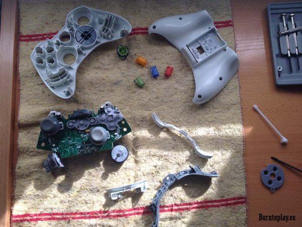 xbox-360-xbox-one-perifericos-mandos-estropeados-mantenimiento-microsoft-arreglar-mandos-consola-estropeados-borntoplay